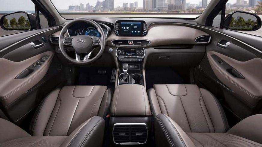 Новый Hyundai Santa Fe получил очень маленькие фары