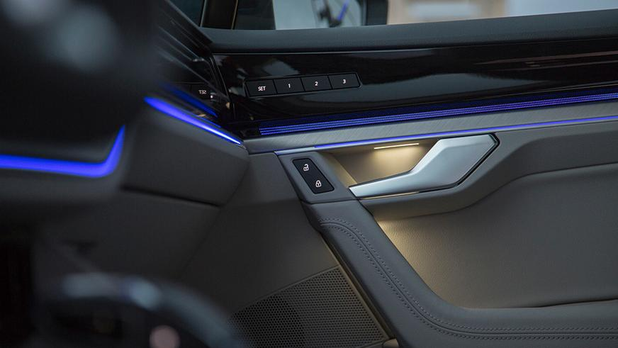 Опубликованы первые фото салона нового Volkswagen Touareg