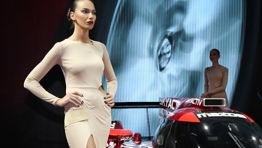 Из автосалона в Женеве могут исчезнуть девушки-модели