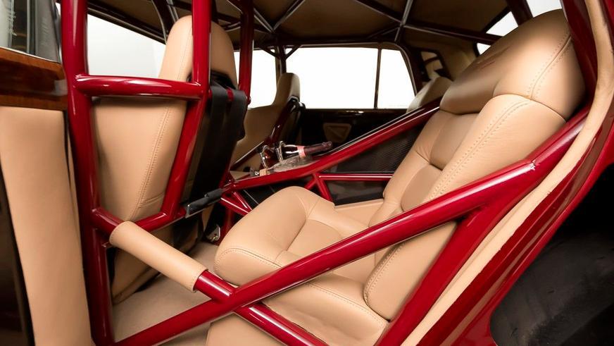 В Норвегии продают Rolls-Royce для дрэга с кожаным салоном
