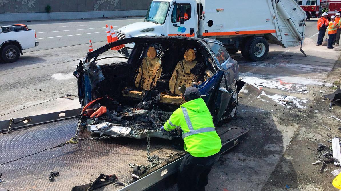 Tesla озвучила итоги расследования самой серьёзной аварии с Model X