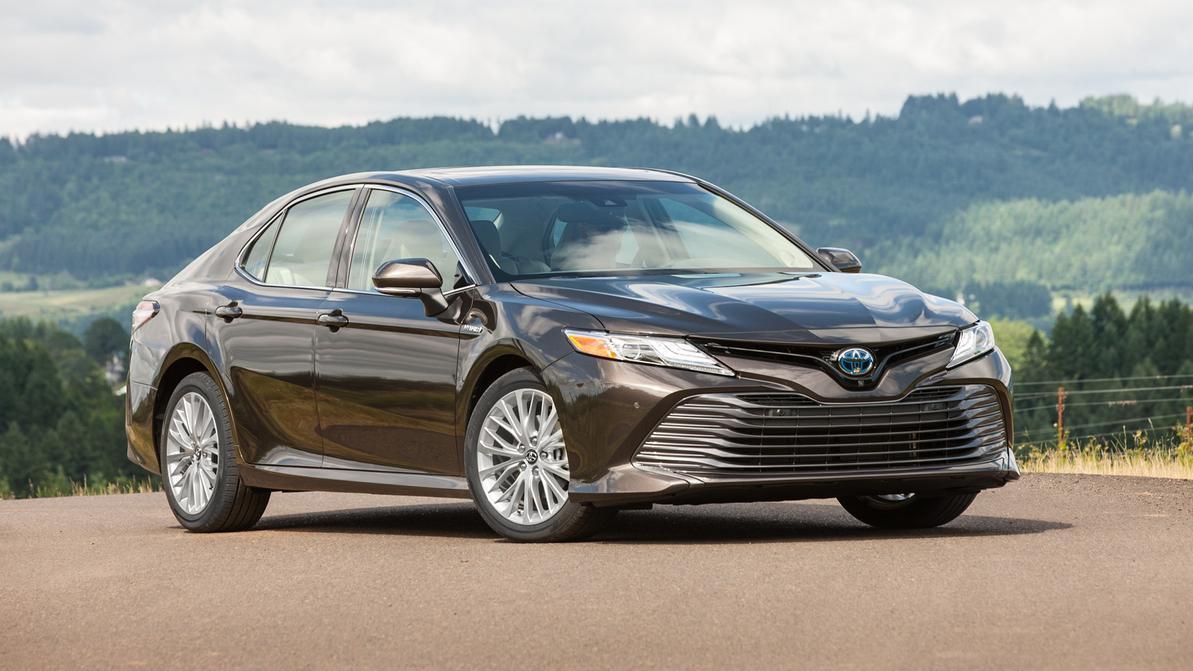 У новой Toyota Camry могут отказать тормоза. Объявлен отзыв