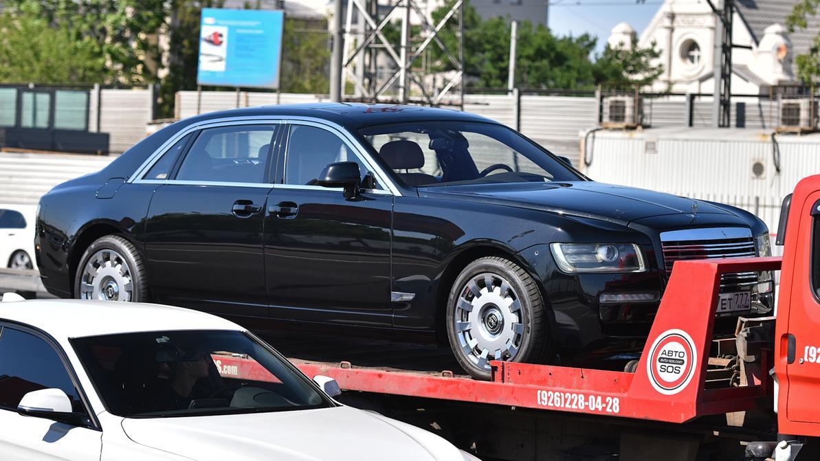 Rolls-Royce Ghost превратили в современный ЗИЛ в Москве