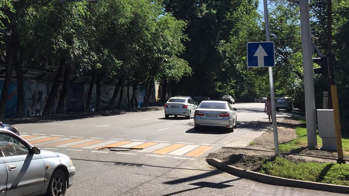 Улица Жамбыла в Алматы стала односторонней на восток