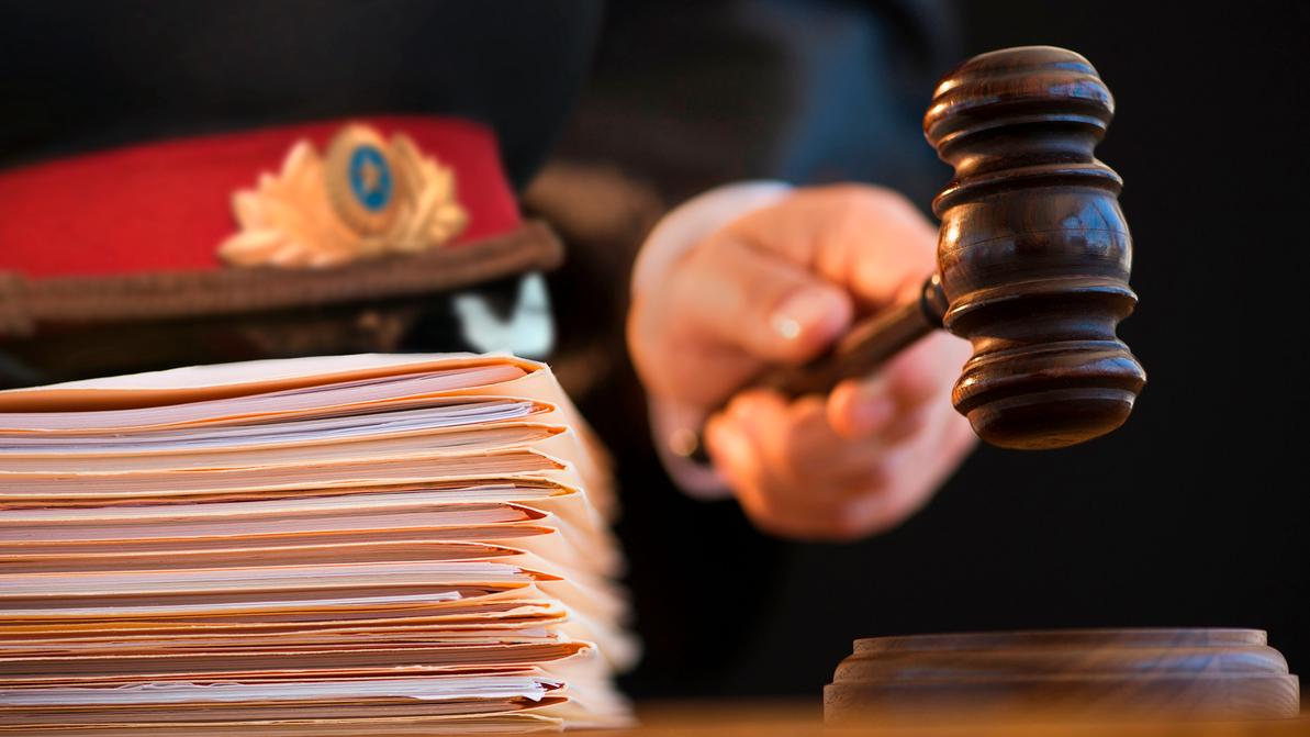 Полицейский-обманщик осуждён в Алматы