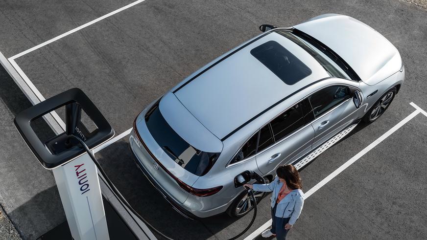 У Mercedes-Benz появился электрический кроссовер