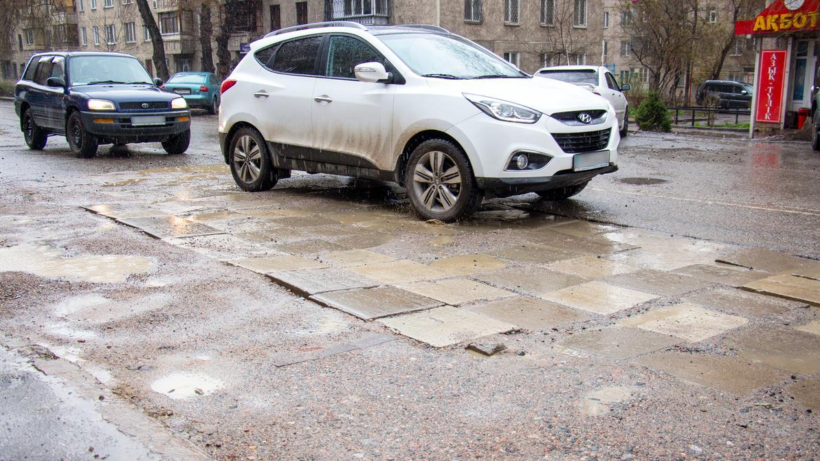 Подрядчиков в Алматы станут штрафовать за плохой ремонт дорог