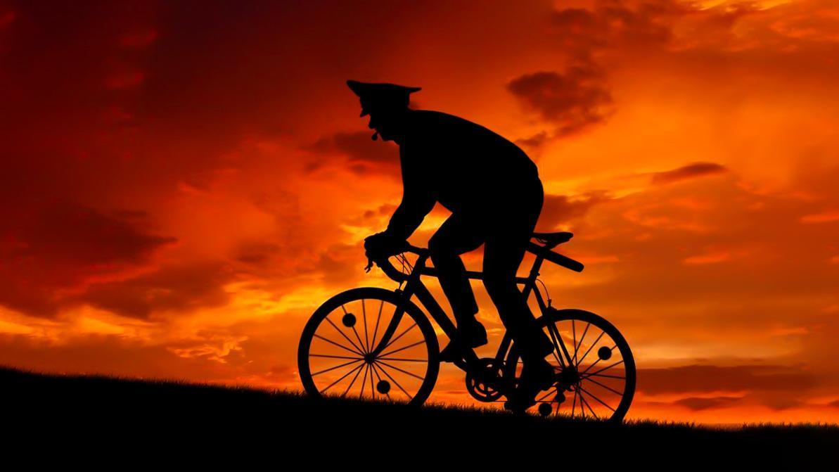 Казахстанских полицейских предлагают пересадить на велосипеды