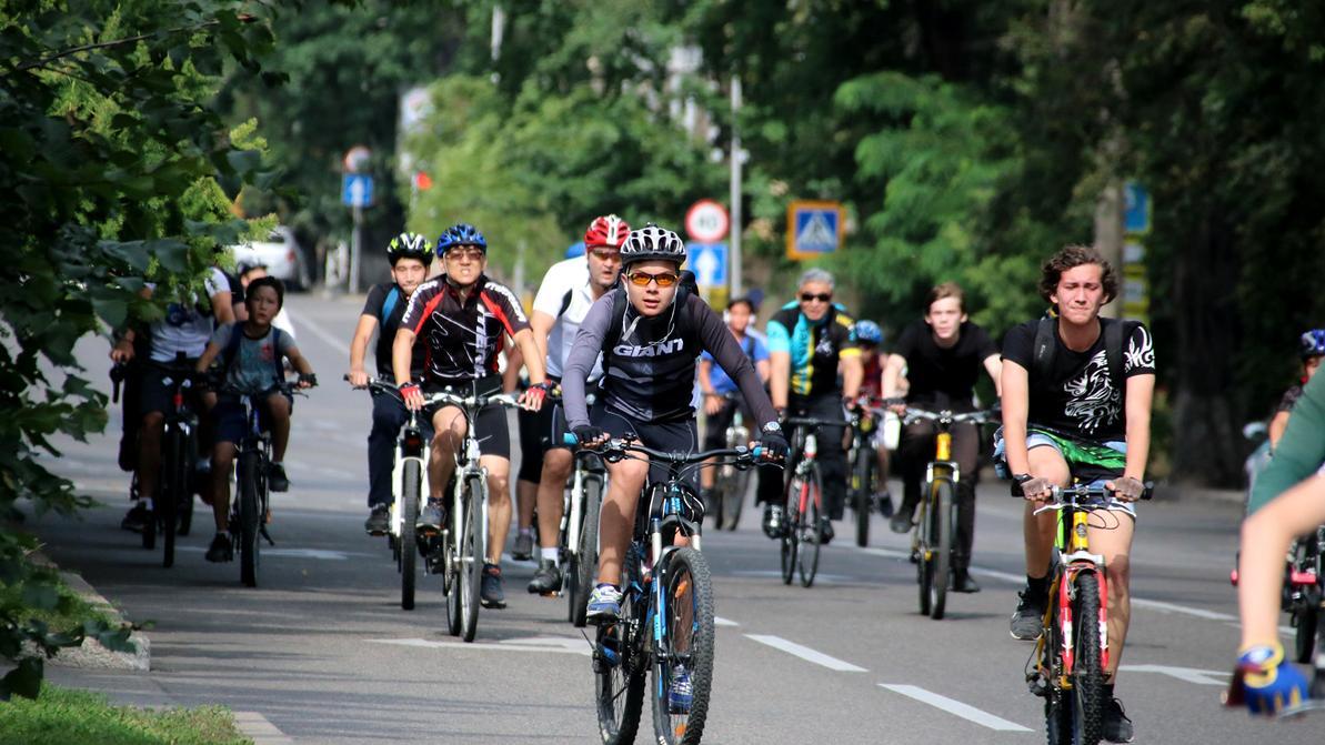 Воскресный велопробег осложнит движение в Алматы