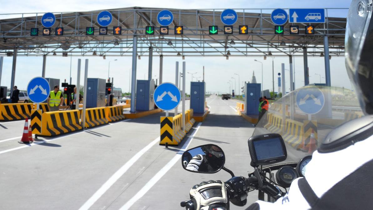 Ездить по платным дорогам на мотоцикле можно бесплатно