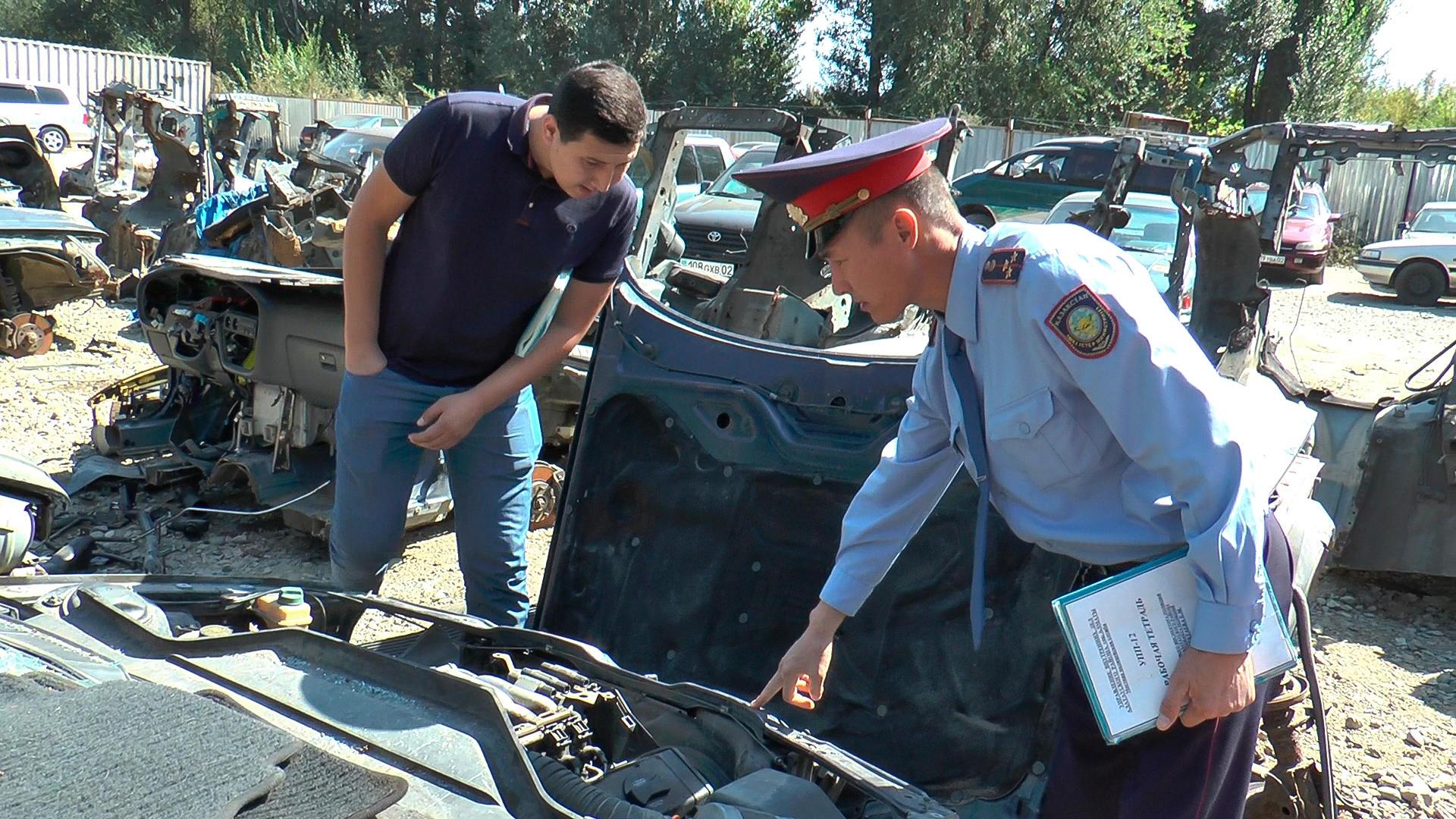 Полиция қызметкерлері «Жібек Жолы» автокөлік базарын тексерді