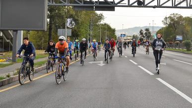 Проспект Аль-Фараби опять перекроют из-за велосипедистов