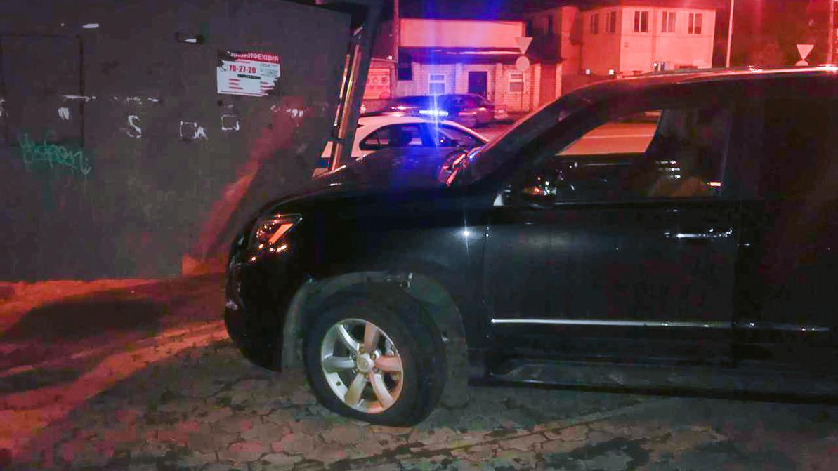 Мужчина, пытавшийся угнать Lexus в Астане, оказался военным