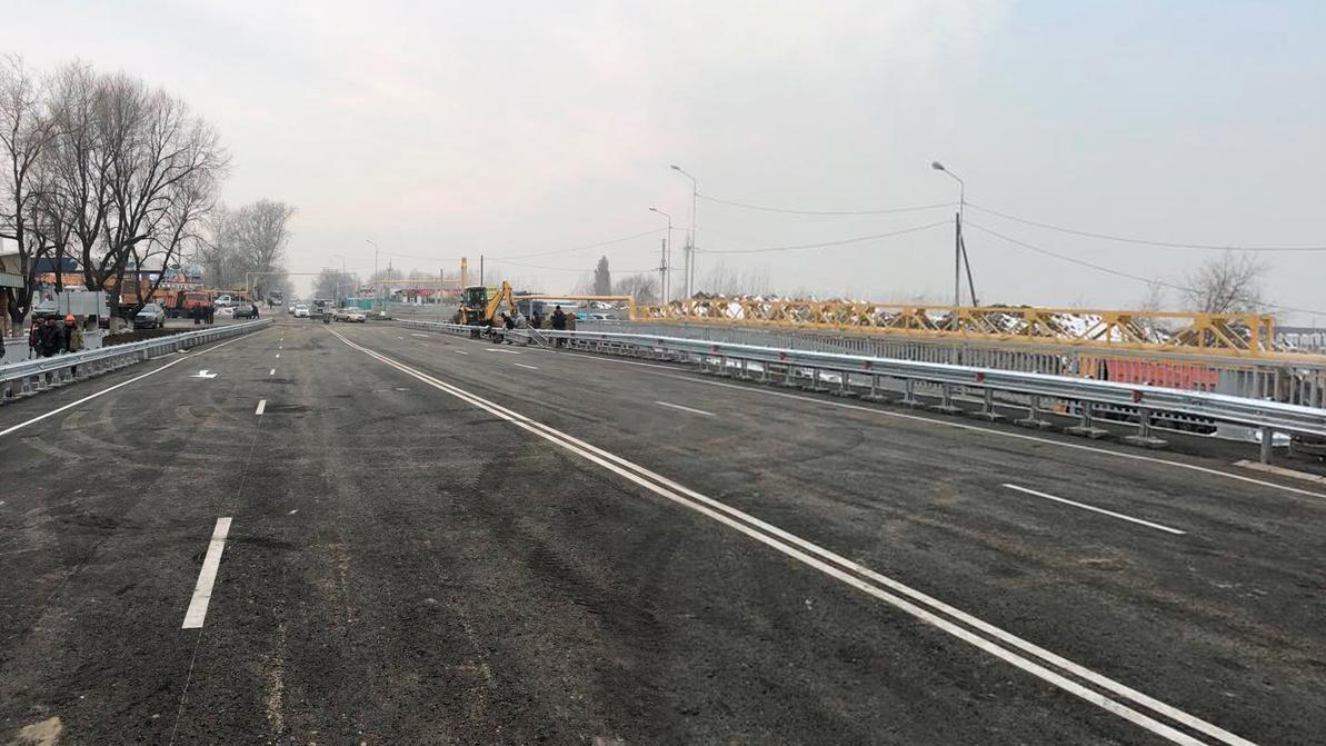 В Алматы открыли мост через реку Аксай на улице Жандосова