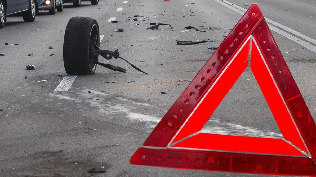 Toyota Avensis протаранила пост на трассе Алматы – Хоргос