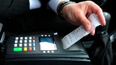 Таксистов в Казахстане обяжут выдавать чеки пассажирам