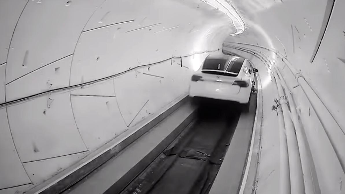 Видео из автомобильного метро показал Илон Маск