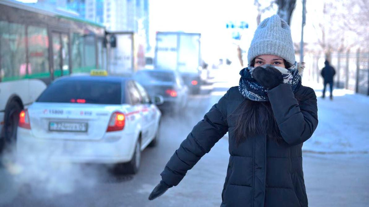 Водители в Астане подвозят пешеходов бесплатно