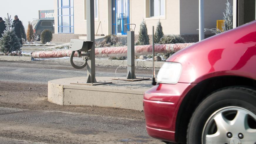 Терминалы на трёх новых платных дорогах в РК заработают завтра, 26 января