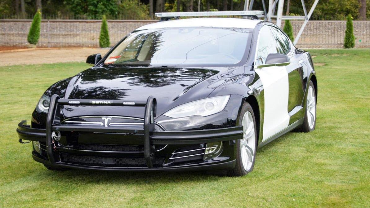 Американская полиция примеряет Tesla Model S