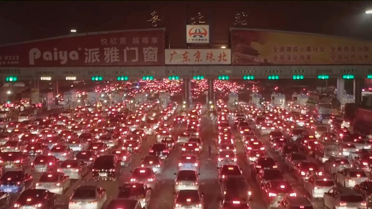 Как выглядит гигантская дорожная пробка в китайском Гуандуне