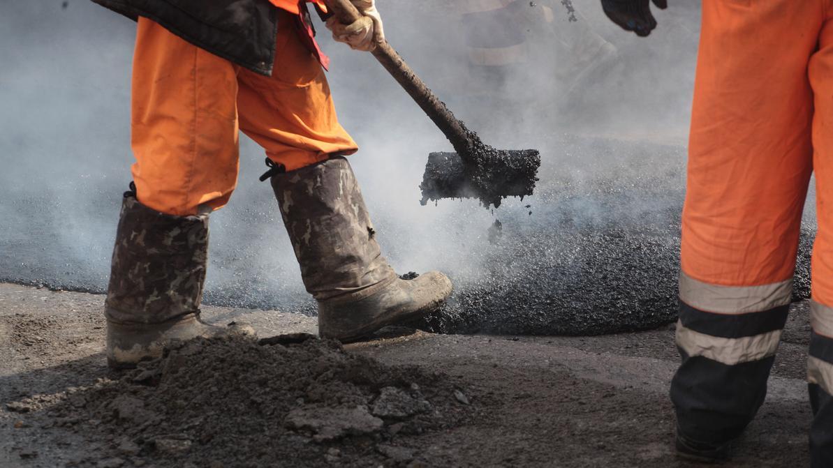 Тысячу километров дорог отремонтируют в Туркестанской области