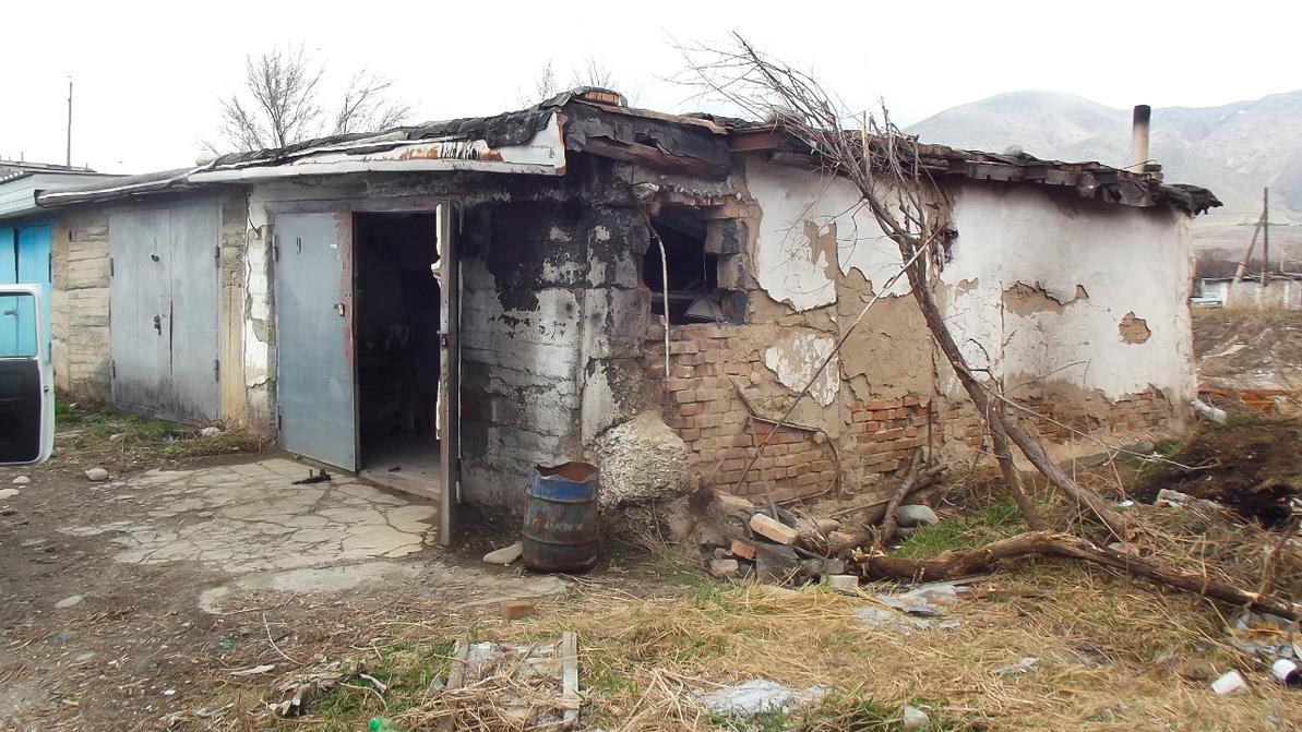 Студент разобрал гараж и угнал Toyota Camry «двадцатьпятку» в Текели