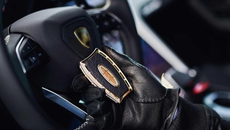 Ключ от машины по цене суперкара