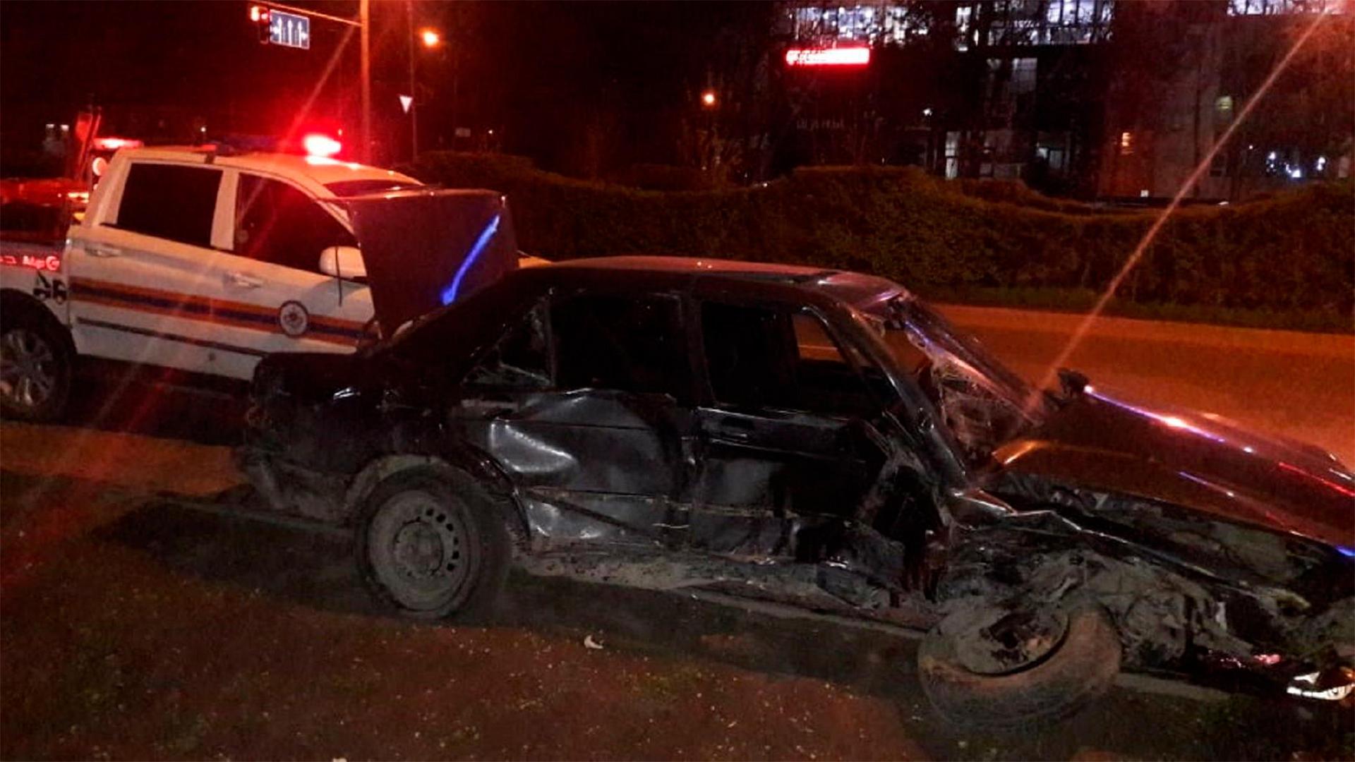 Четыре человека пострадали при столкновении Audi и Mercedes-Benz