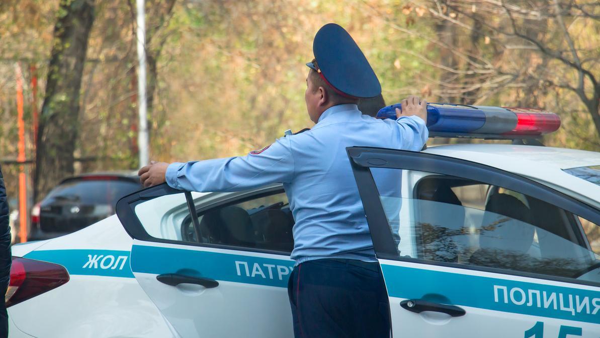 Токаев: Люди жалуются на то, что полицейские зачастую ведут себя грубо или некомпетентно