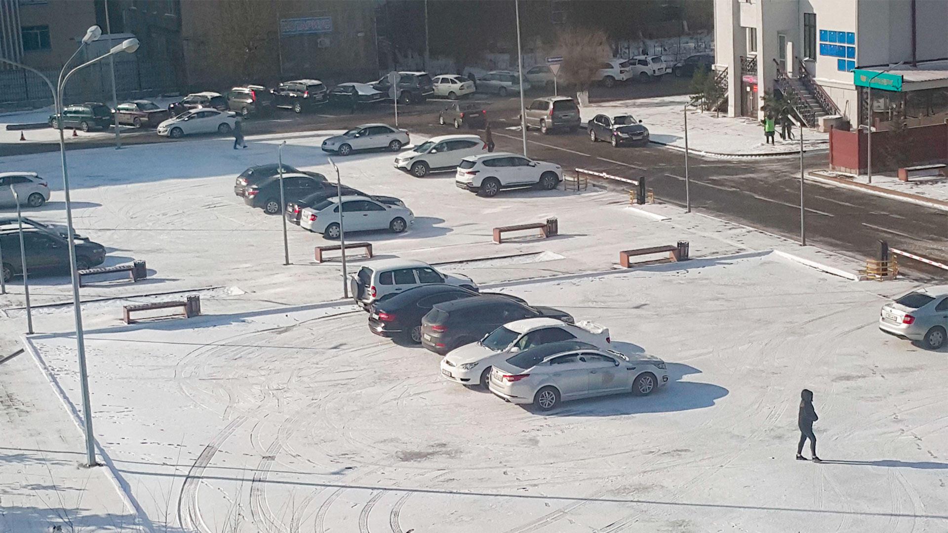 Нур-Султан и некоторые северные и восточные города РК накрыло снегопадом