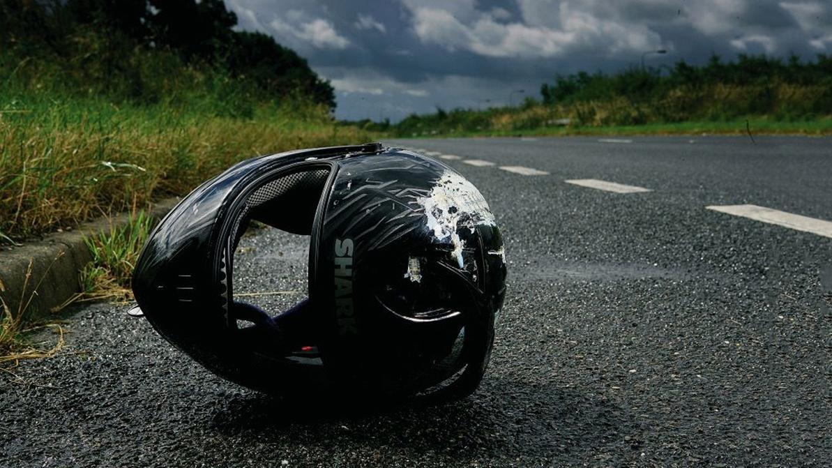 Мотоциклист, убегая от полицейских, сбил насмерть пешехода