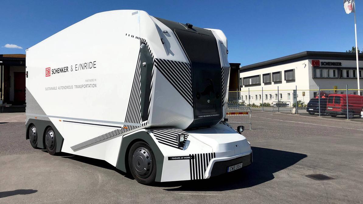Беспилотный грузовик выехал на дороги Швеции