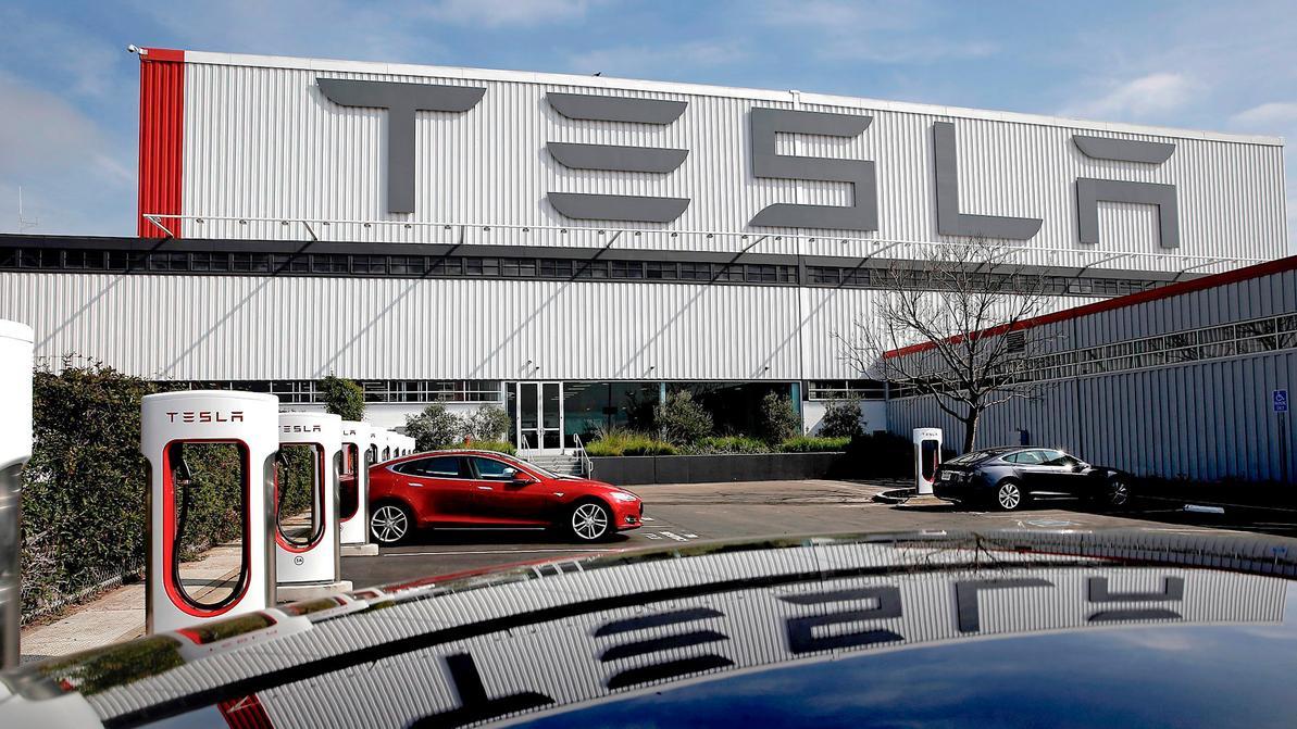 Tesla может загнуться уже через 10 месяцев