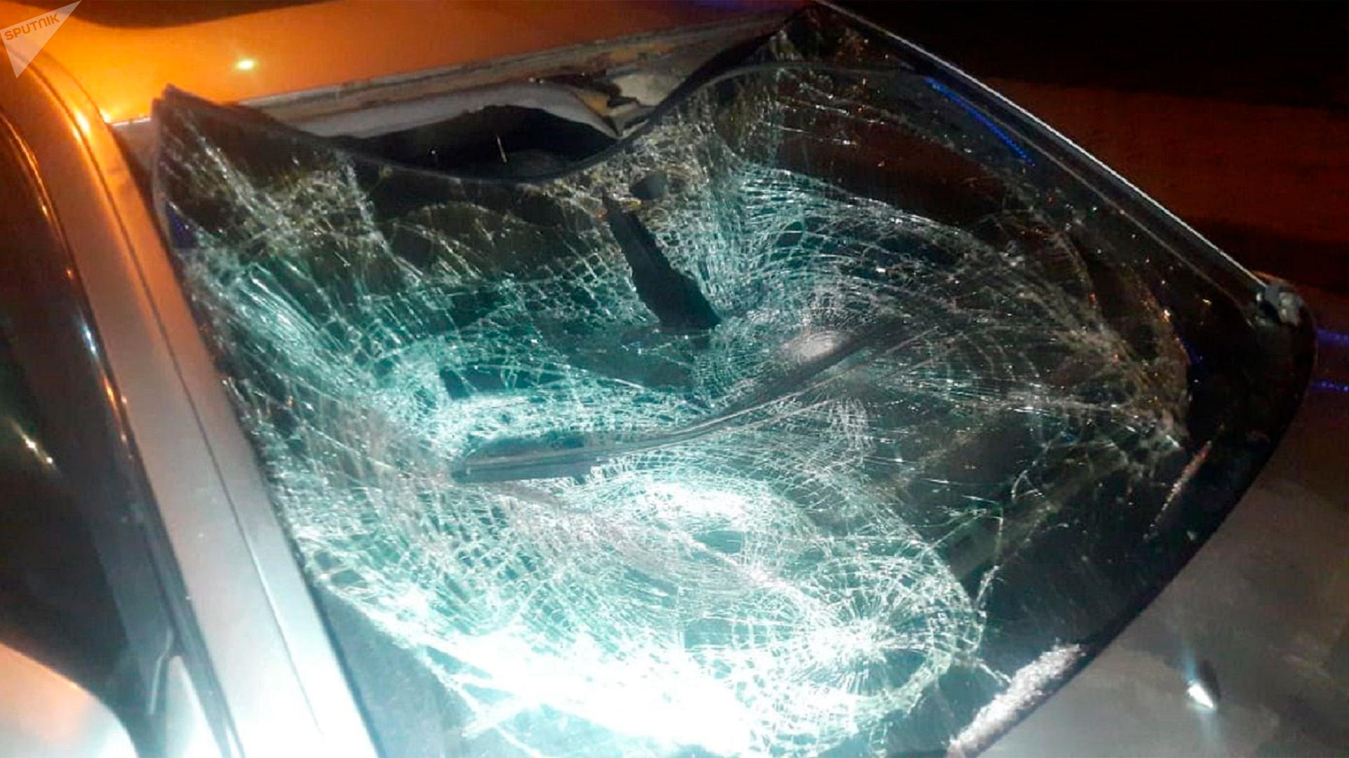 В Алматы Lexus GS 300 сбил двух пешеходов