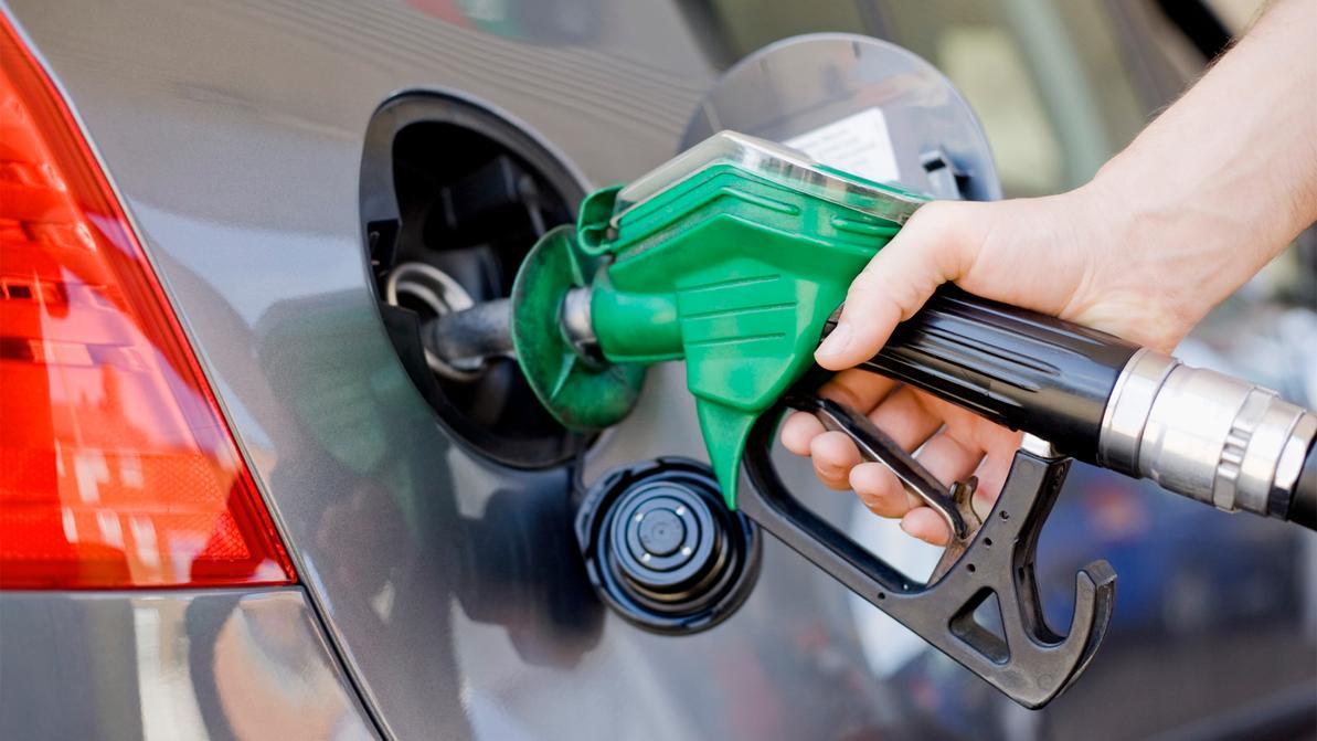 Почему подешевел бензин в Казахстане