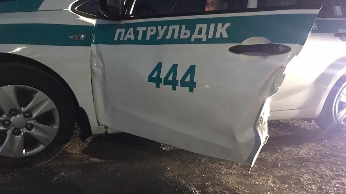 Кортеж сбил двух полицейских на ВОАД в Алматы