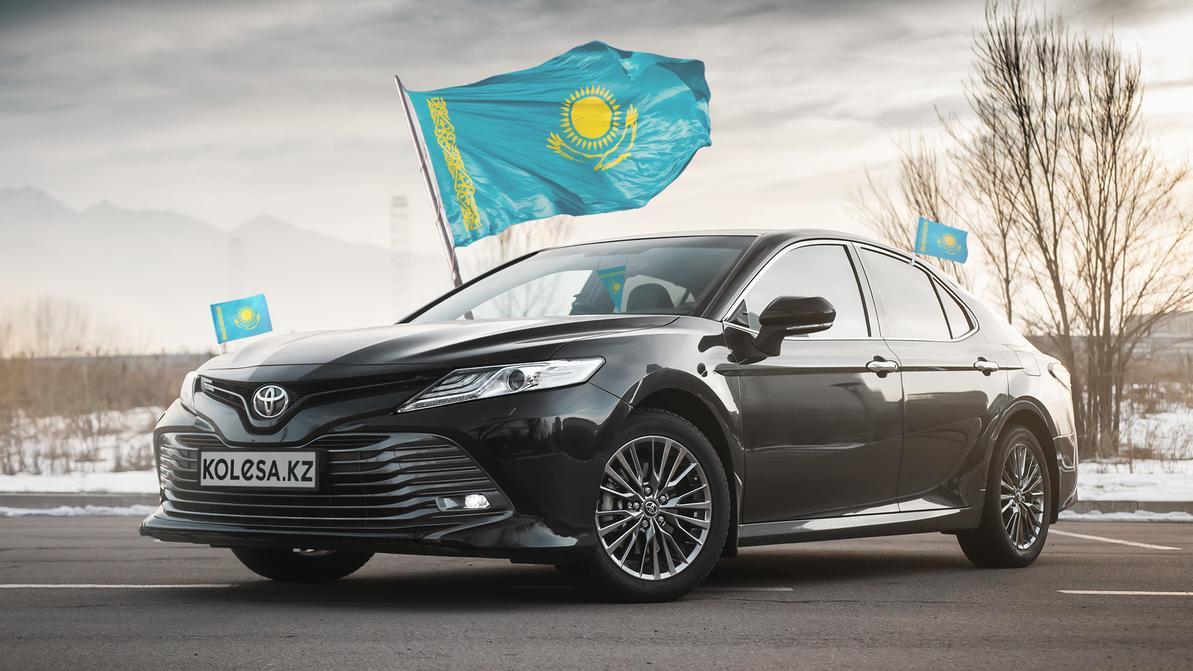 Государственный флаг официально разрешили вешать в авто