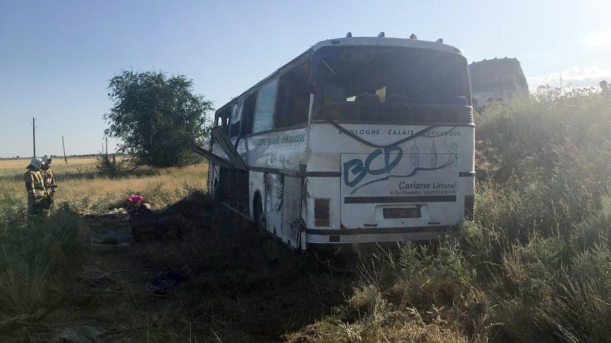 Автобус перевернулся по дороге на Алаколь – пострадали 17 человек