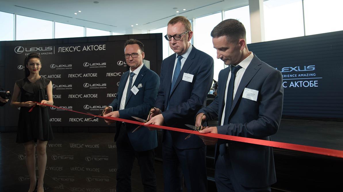 В Актобе открылся официальный дилерский центр Lexus