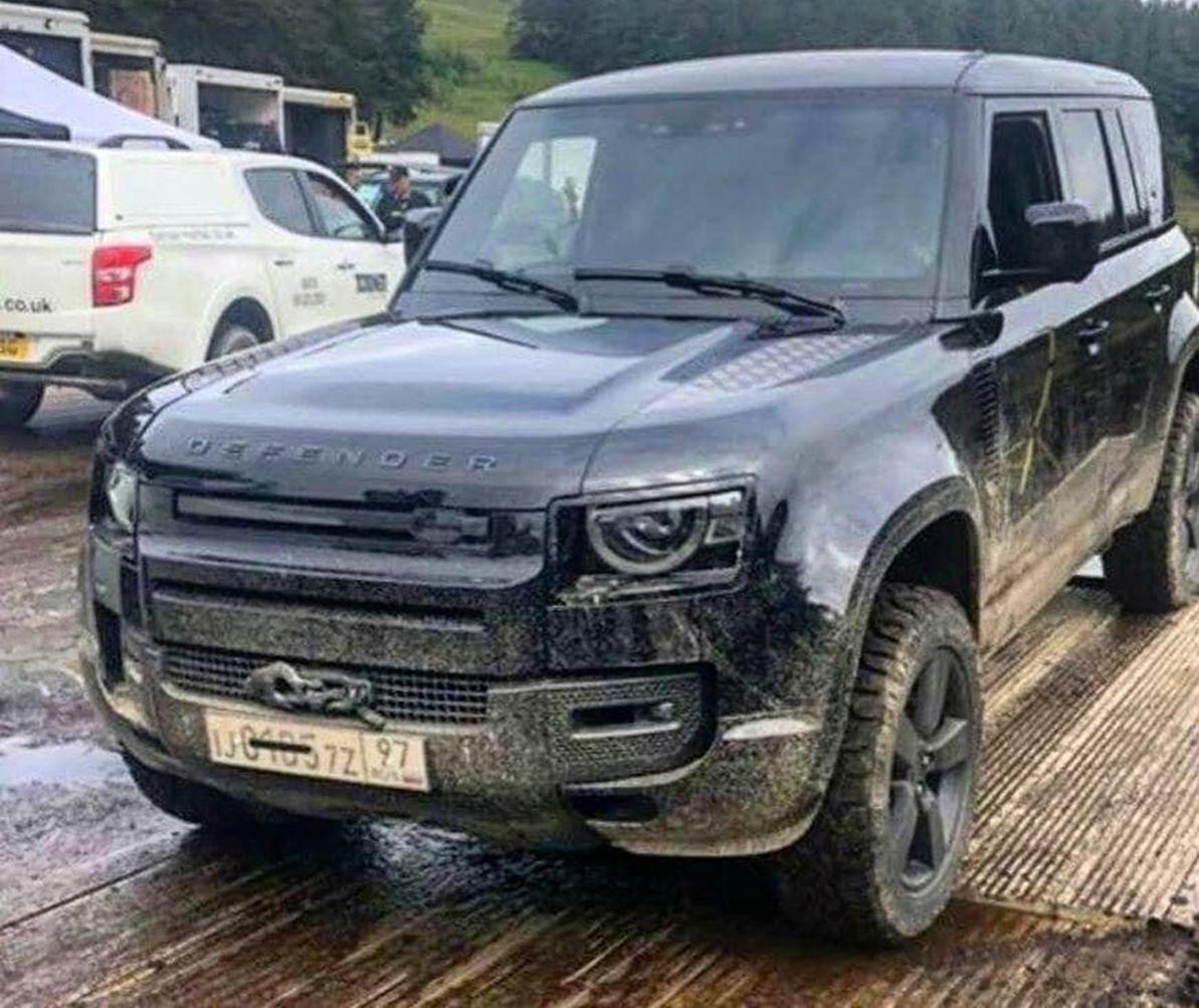 Новый Land Rover Defender сняли без камуфляжа