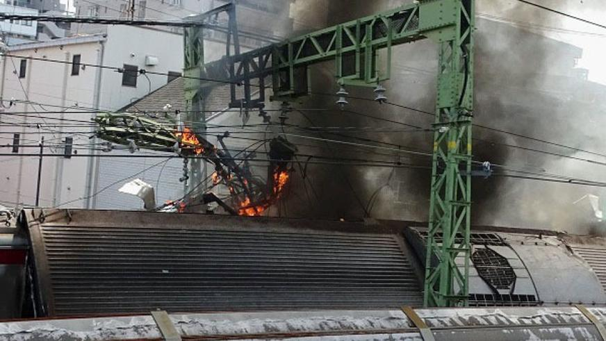 Поезд столкнулся с грузовиком в Японии