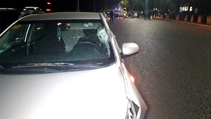 Под два автомобиля попал пешеход в Алматы