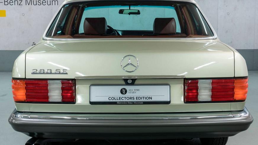 Mercedes-Benz продаёт 280SE 1982 года с гарантией