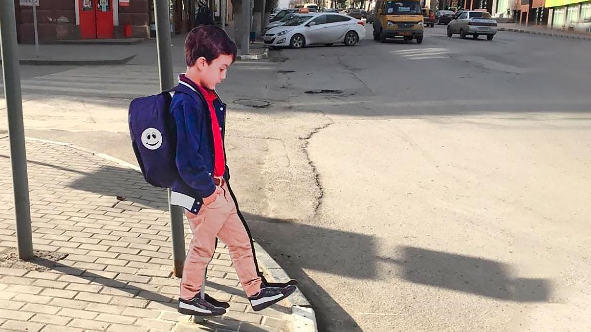 Трое суток ареста за порчу манекена школьника