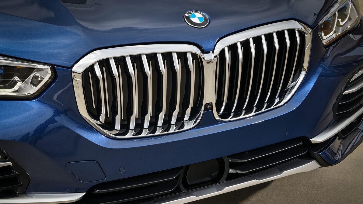BMW отзывает почти весь модельный ряд из-за камеры заднего вида