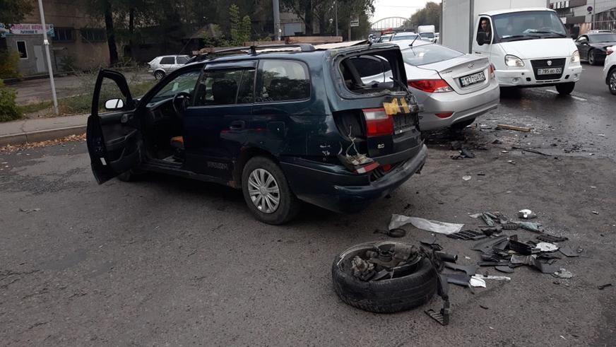 Потерявший сознание водитель устроил массовое ДТП