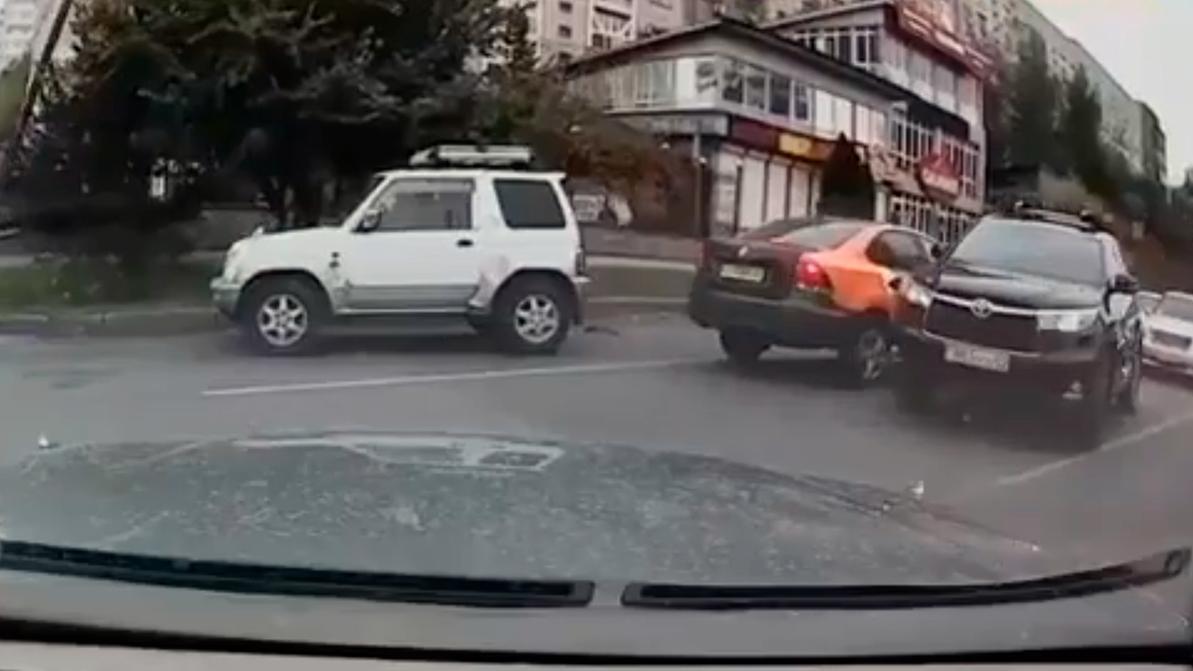 Очередную массовую аварию пользователь Anytime устроил в Алматы