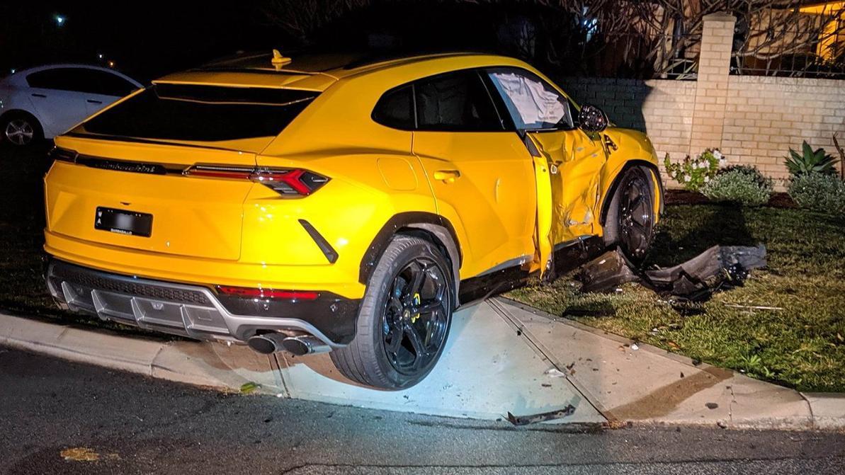 14-летний парень угнал Subaru и разбил Lamborghini
