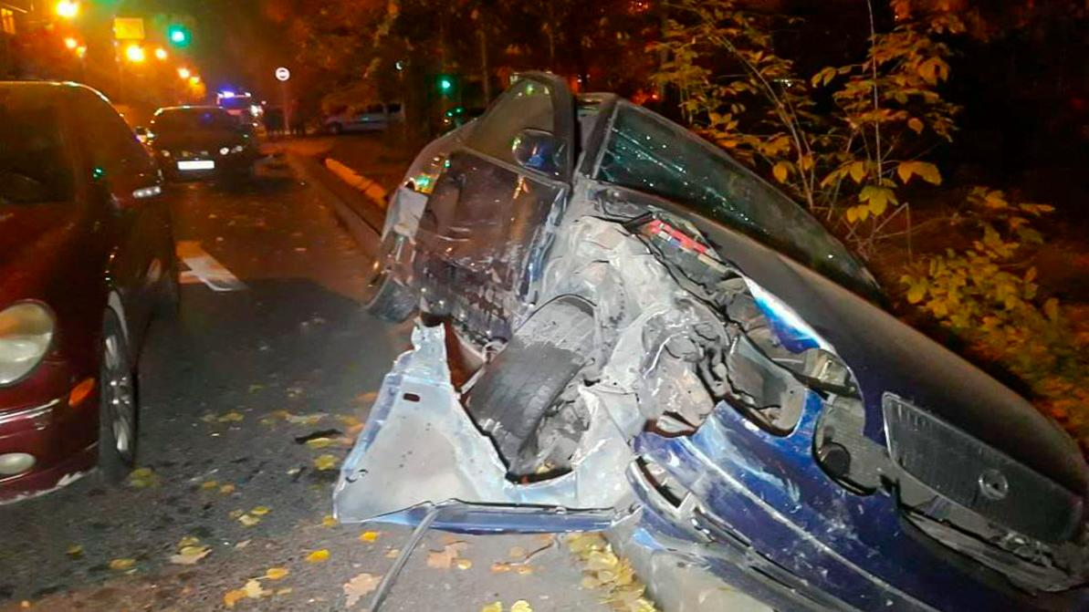 Шесть человек оказались в больнице после ДТП на Макатаева в Алматы